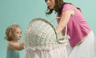 Колиска і дитяче ліжечко: допомога у виборі